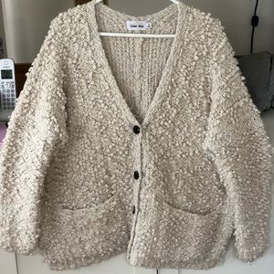 Oversized comfy sweater!
